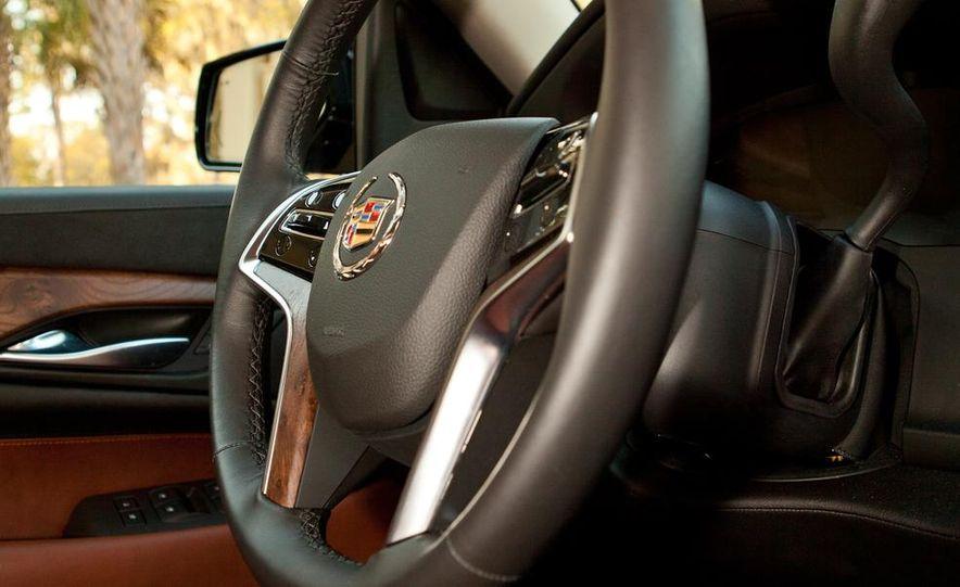 2015 Cadillac Escalade - Slide 16