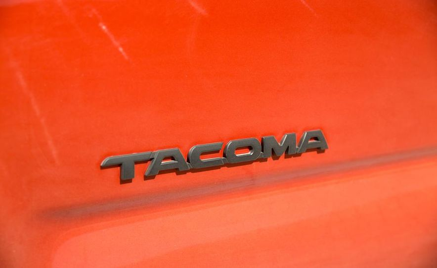 2015 Toyota Tacoma TRD Pro Series - Slide 21