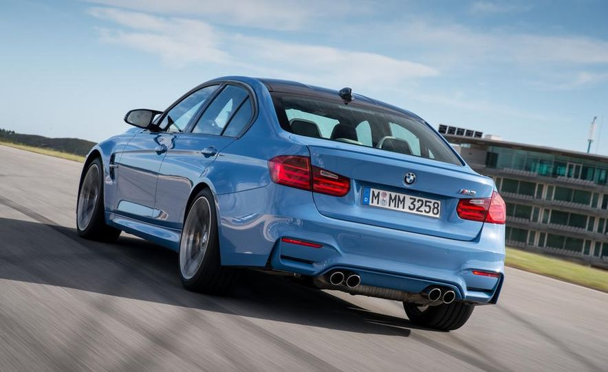 2015 BMW M3 sedan - Slide 16