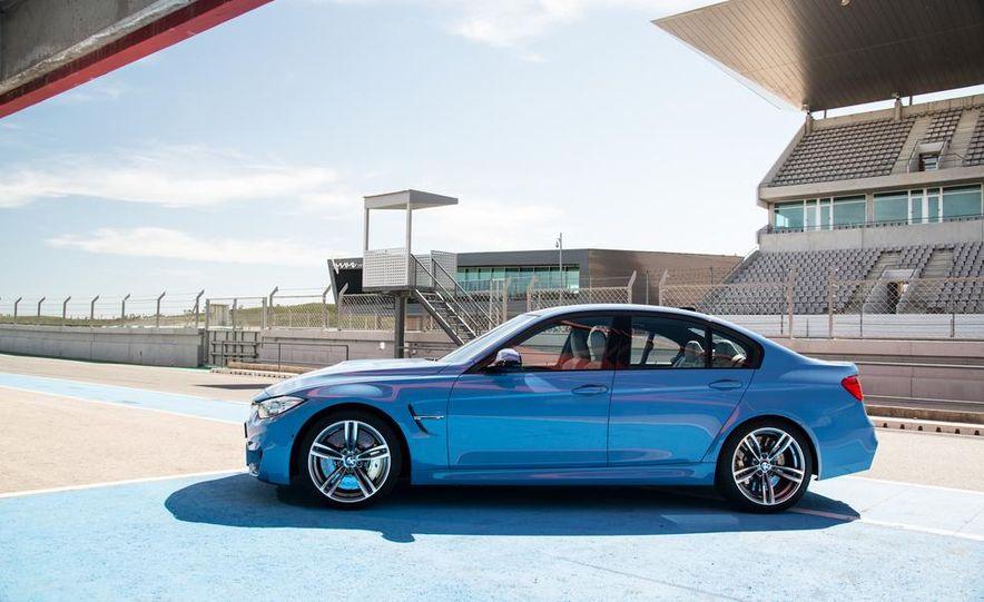 2015 BMW M3 sedan - Slide 29
