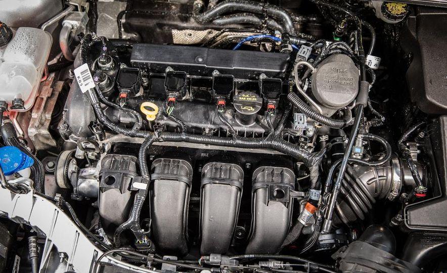 2015 Ford Focus SE sedan - Slide 35