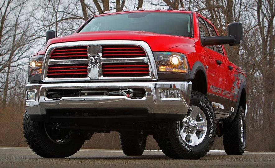 2014 Ram 2500 Power Wagon - Slide 19