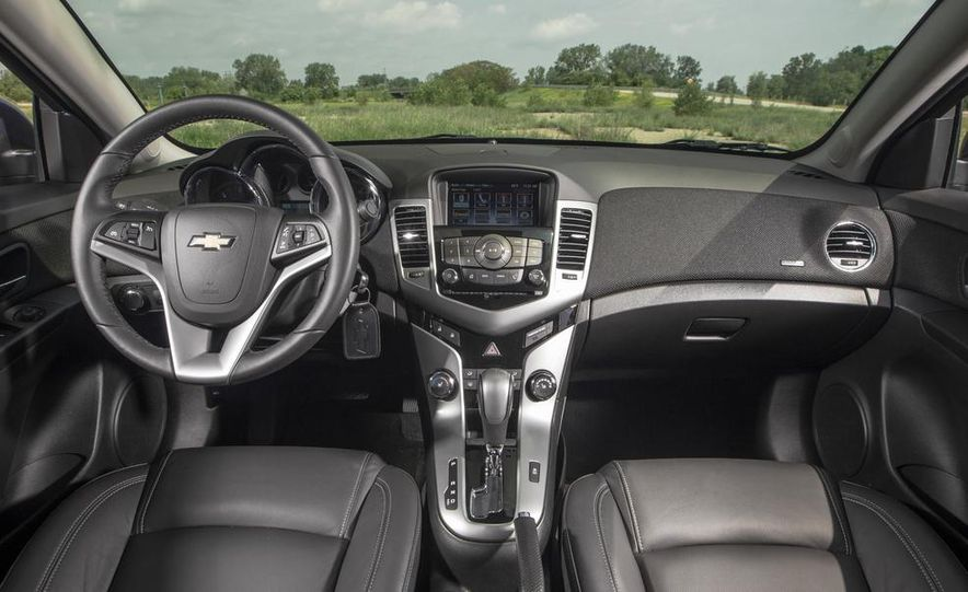 2015 Chevrolet Cruze LTZ - Slide 15