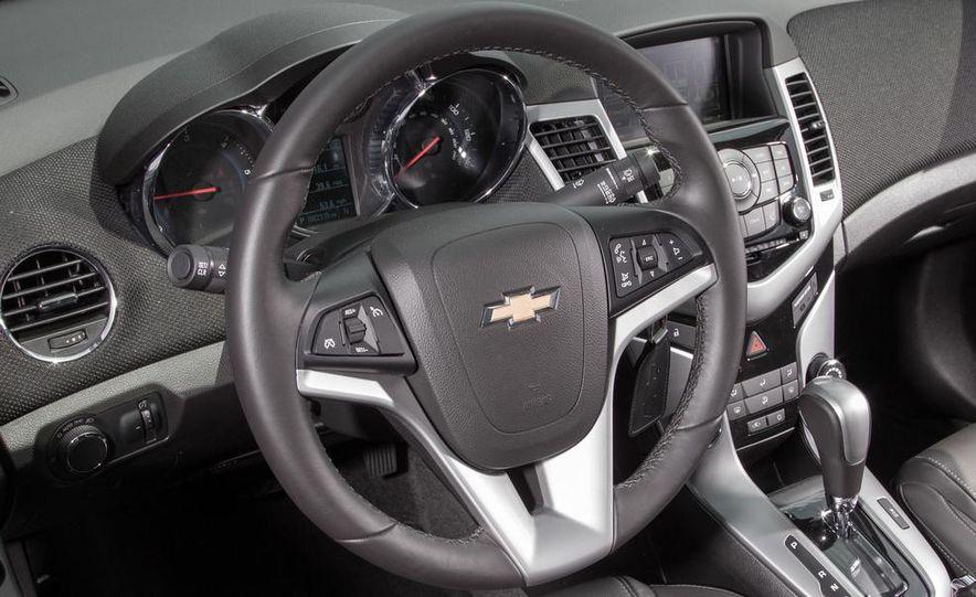2015 Chevrolet Cruze LTZ - Slide 18
