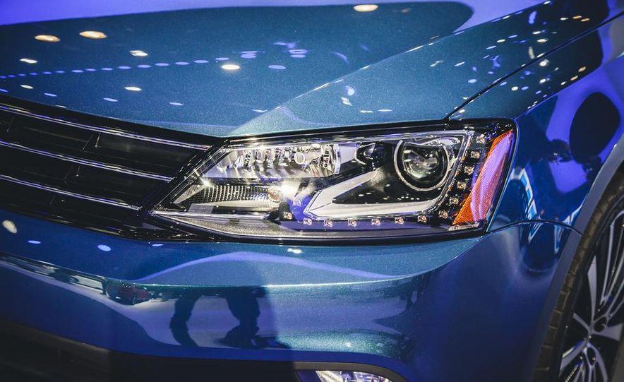 2015 Volkswagen Jetta TDI - Slide 3