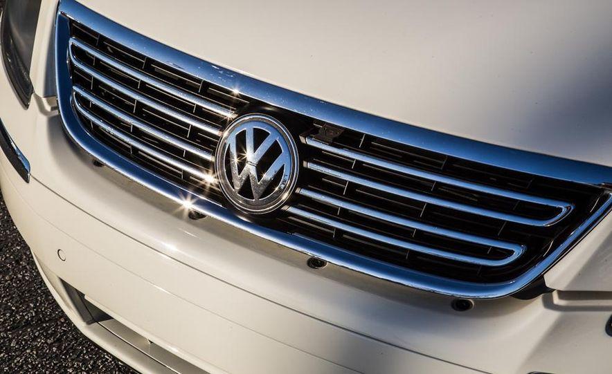 2005 Volkswagen Phaeton and 2014 Mitsubishi Mirage ES - Slide 26