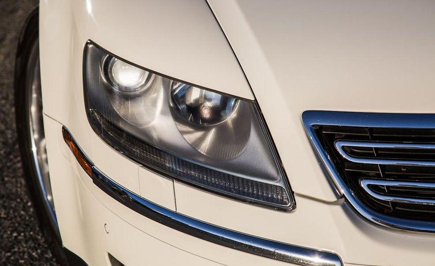2005 Volkswagen Phaeton and 2014 Mitsubishi Mirage ES - Slide 27