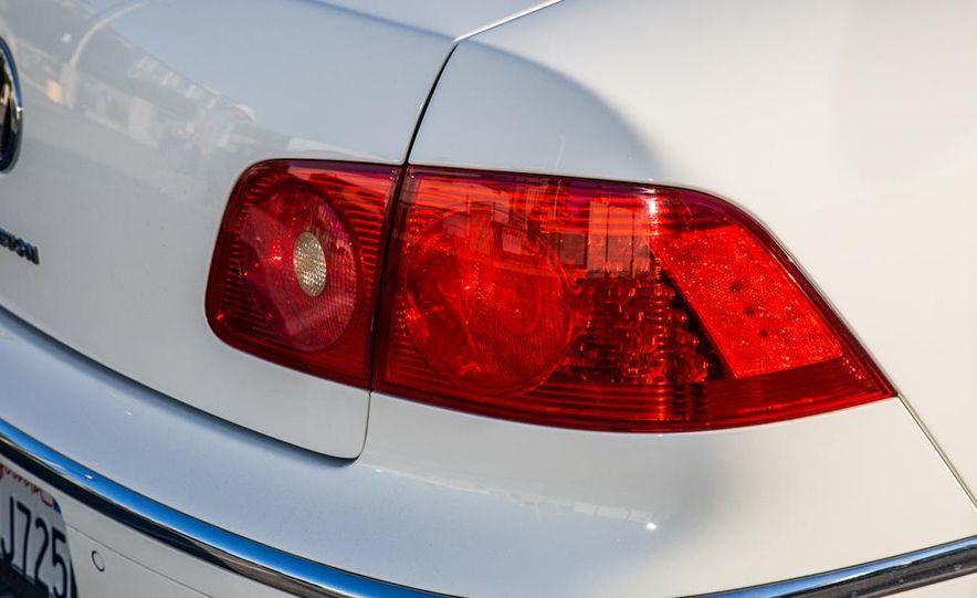 2005 Volkswagen Phaeton and 2014 Mitsubishi Mirage ES - Slide 28