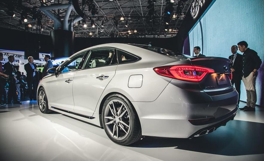2015 Hyundai Sonata Sport - Slide 4