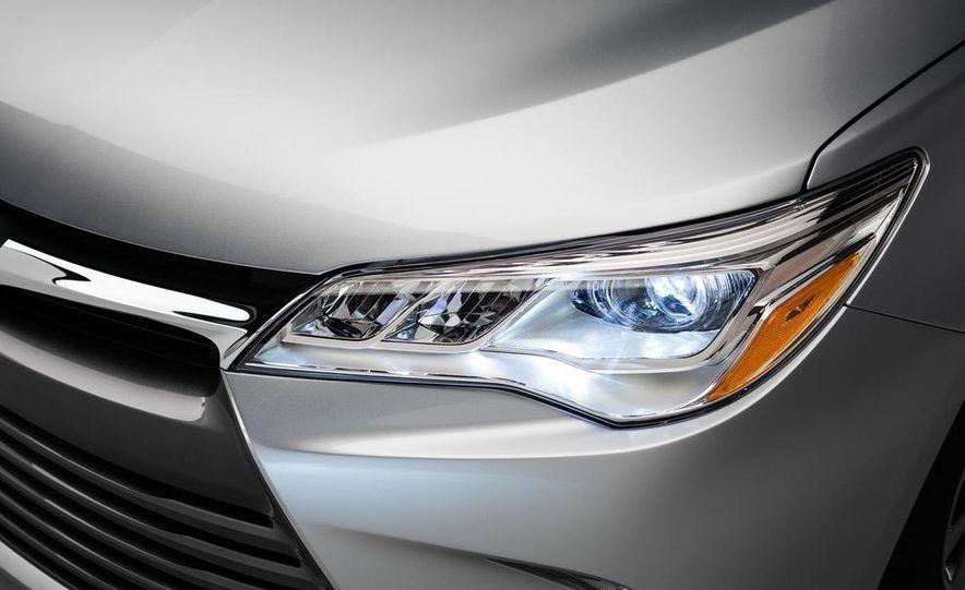 2015 Toyota Camry XSE - Slide 57