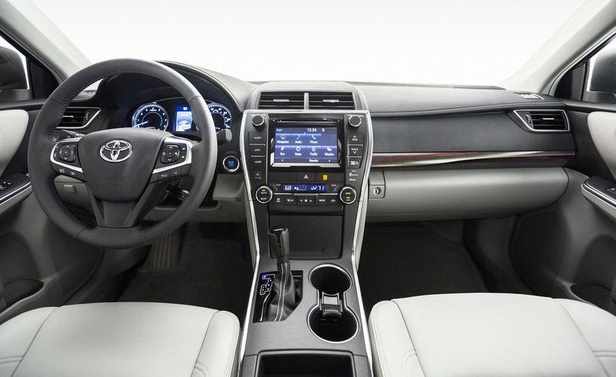 2015 Toyota Camry XSE - Slide 62