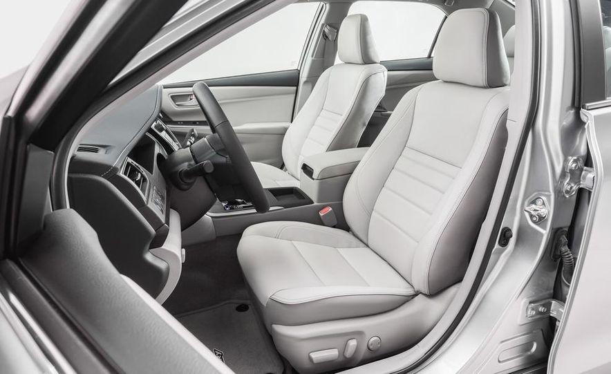 2015 Toyota Camry XSE - Slide 64