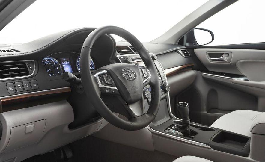 2015 Toyota Camry XSE - Slide 65