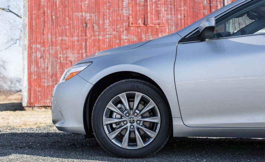2015 Toyota Camry XSE - Slide 55