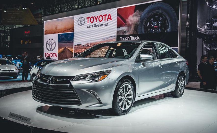 2015 Toyota Camry XSE - Slide 13