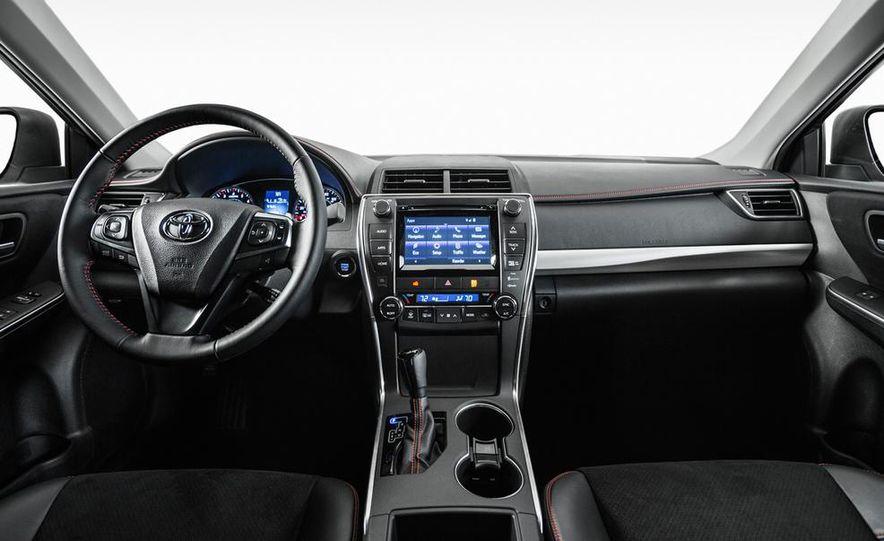 2015 Toyota Camry XSE - Slide 39