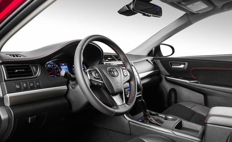 2015 Toyota Camry XSE - Slide 41