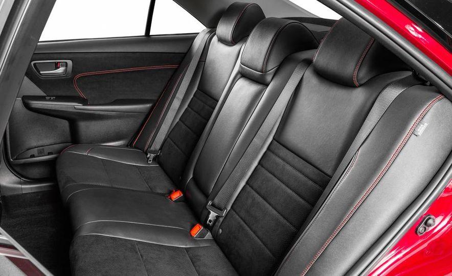2015 Toyota Camry XSE - Slide 43