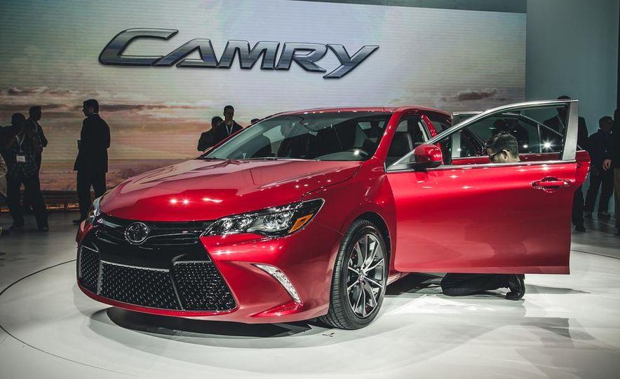 2015 Toyota Camry XSE - Slide 1