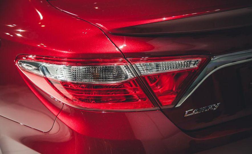 2015 Toyota Camry XSE - Slide 7