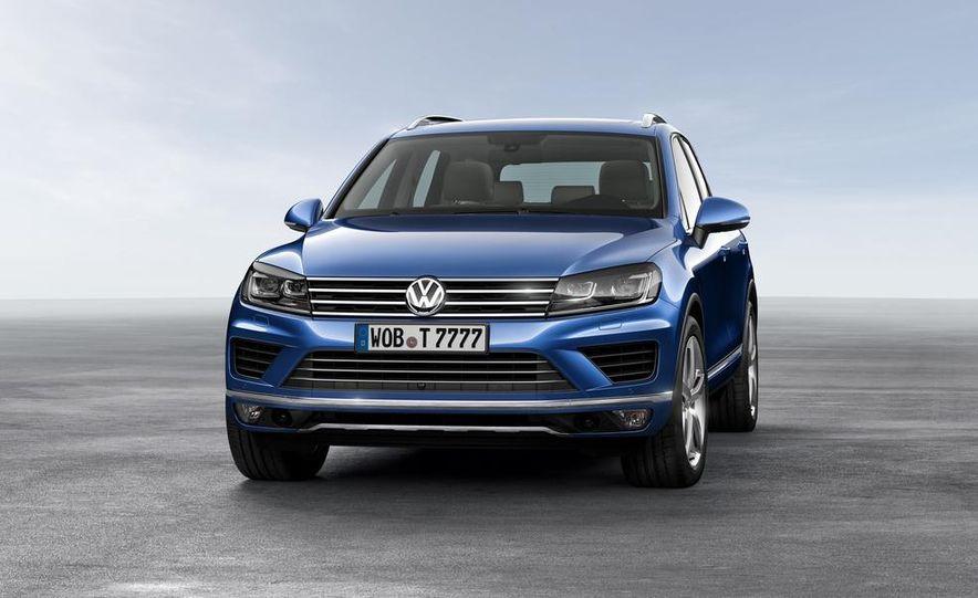 2015 Volkswagen Touareg V-6 TDI BlueMotion - Slide 2
