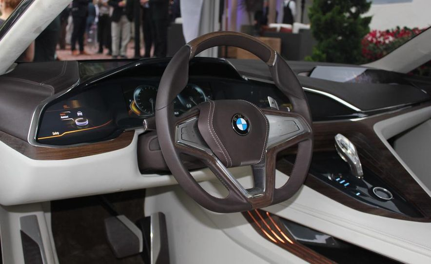 BMW Vision Future Luxury concept - Slide 17