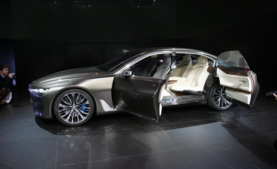 BMW Vision Future Luxury concept - Slide 20