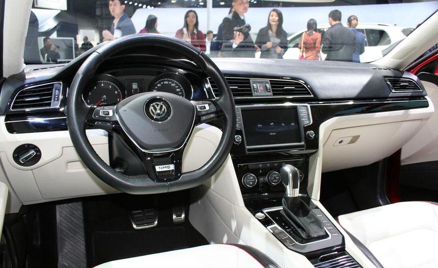 Volkswagen New Midsize Coupe concept - Slide 10