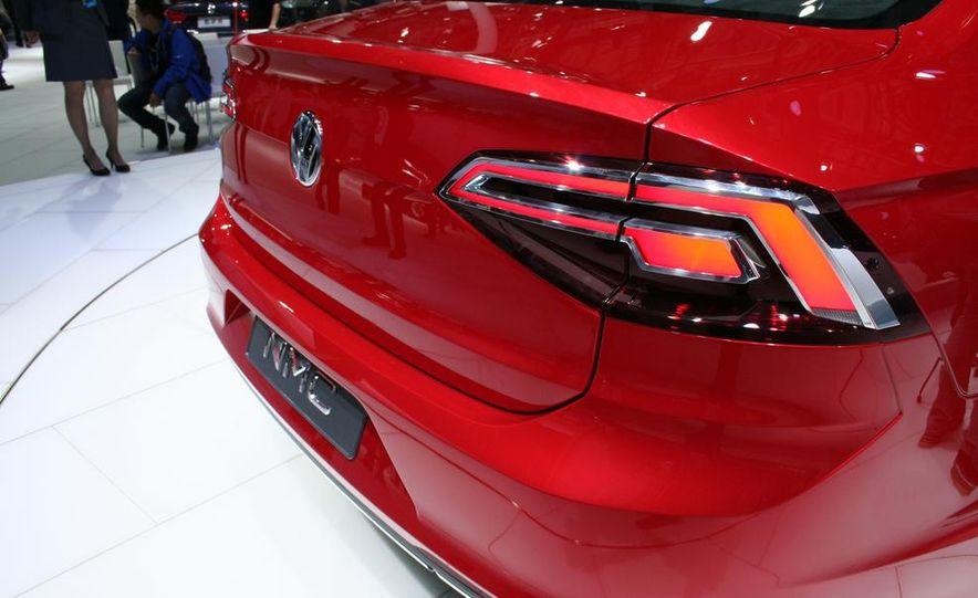 Volkswagen New Midsize Coupe concept - Slide 7