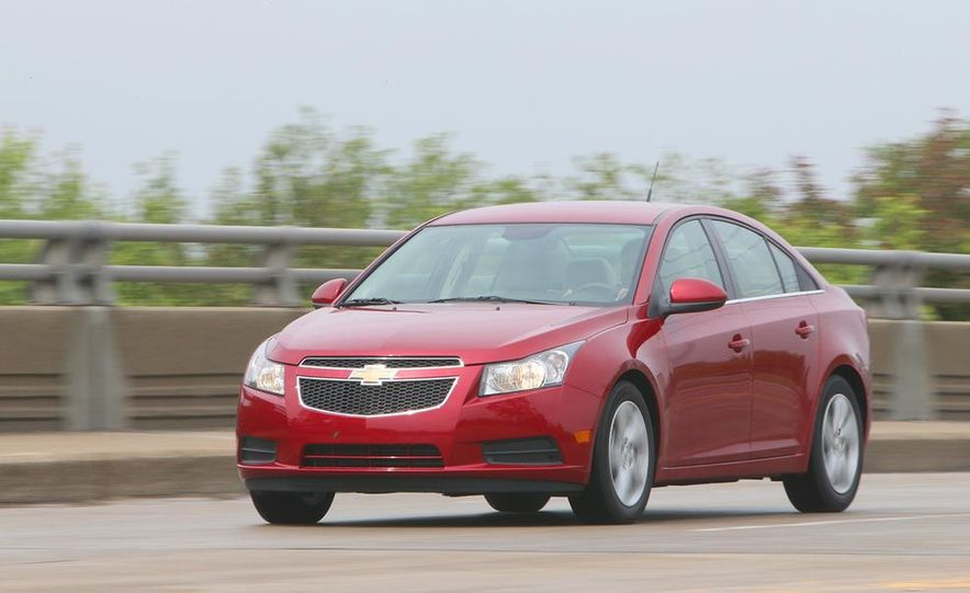 2016 Chevrolet Cruze sedan (spy photo) - Slide 14