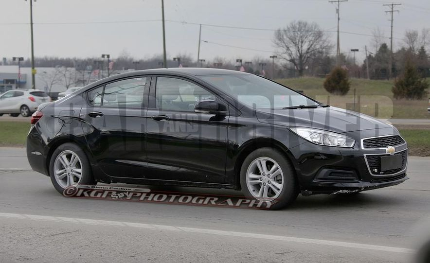 2016 Chevrolet Cruze sedan (spy photo) - Slide 1