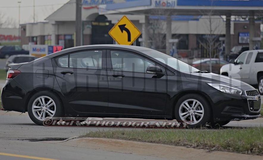 2016 Chevrolet Cruze sedan (spy photo) - Slide 6