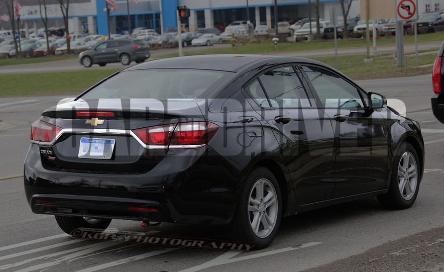 2016 Chevrolet Cruze sedan (spy photo) - Slide 7