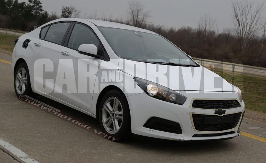 2016 Chevrolet Cruze sedan (spy photo) - Slide 9