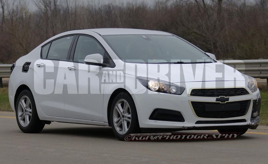 2016 Chevrolet Cruze sedan (spy photo) - Slide 10