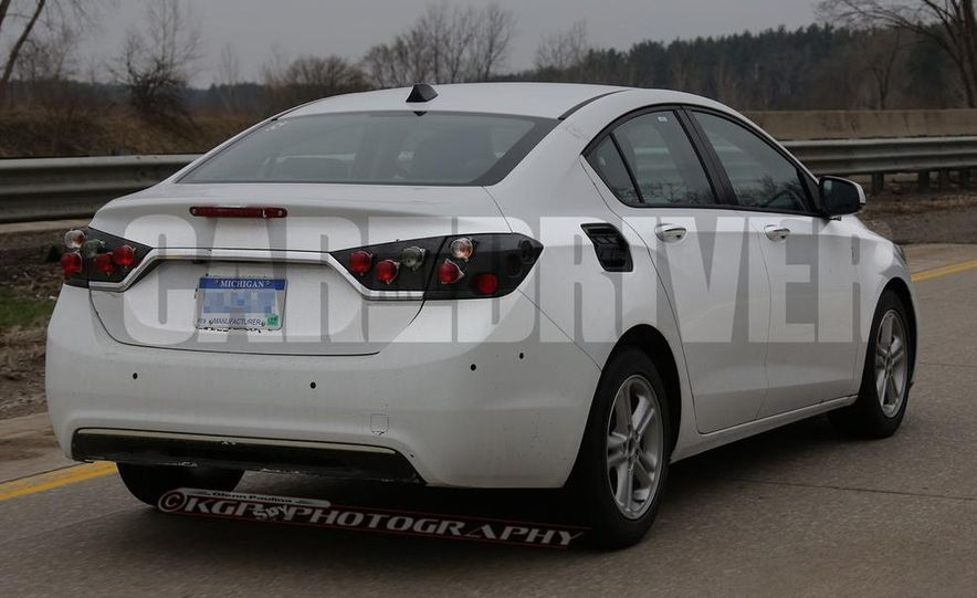 2016 Chevrolet Cruze sedan (spy photo) - Slide 12