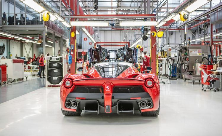 LaFerrari Replacement Expected to Have an Even Better V-12