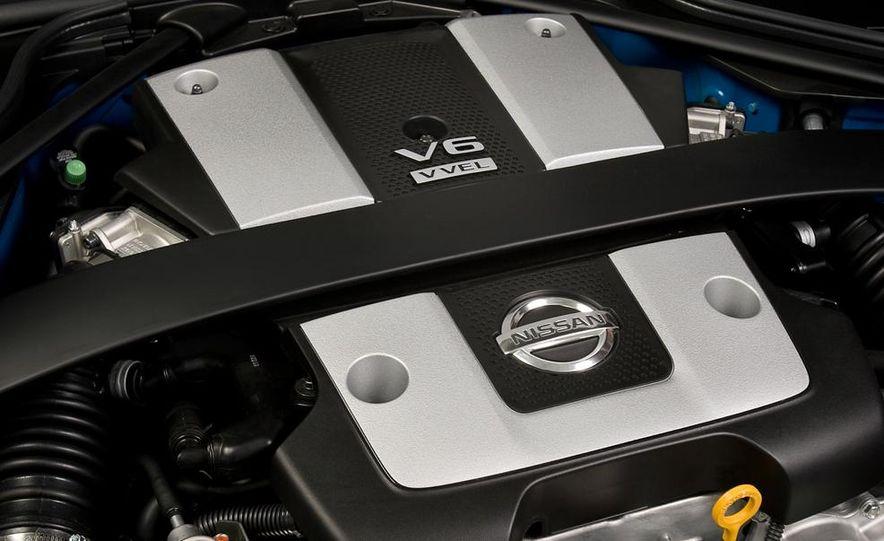 2012 Nissan 370Z - Slide 17