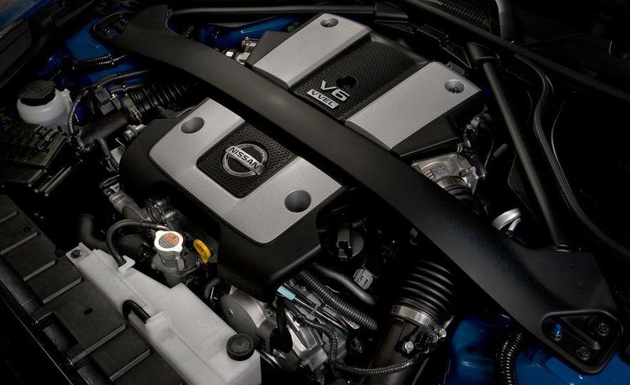 2012 Nissan 370Z - Slide 18