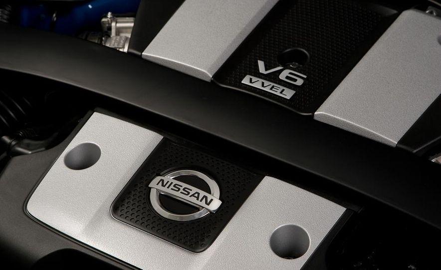 2012 Nissan 370Z - Slide 19
