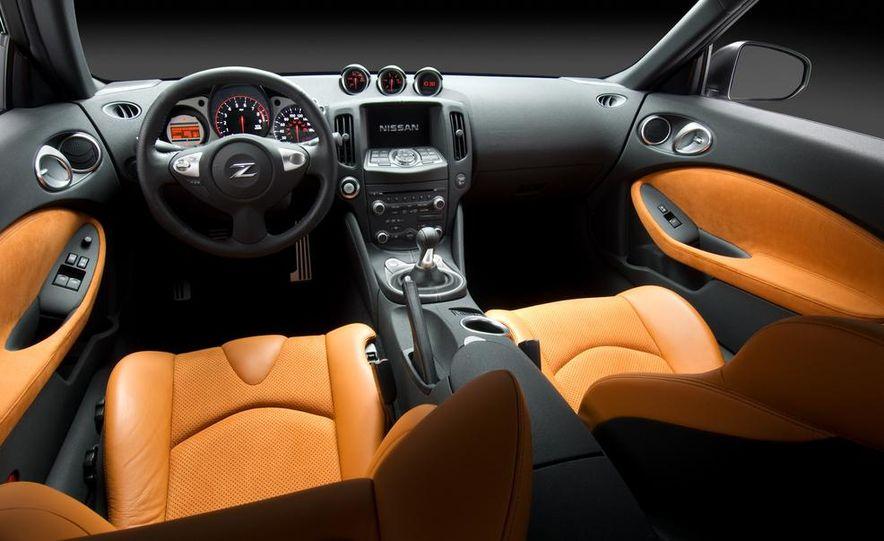 2012 Nissan 370Z - Slide 11