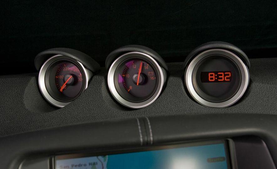 2012 Nissan 370Z - Slide 15