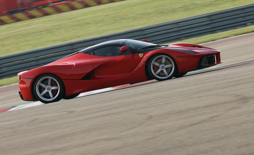2014 Ferrari LaFerrari - Slide 10
