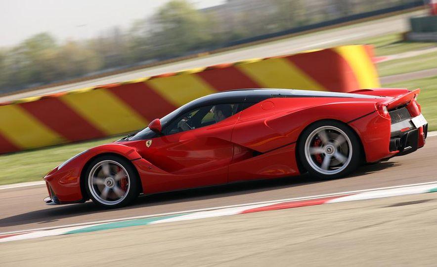 2014 Ferrari LaFerrari - Slide 11