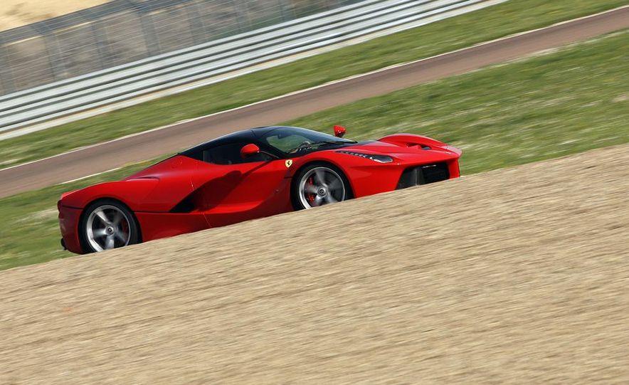 2014 Ferrari LaFerrari - Slide 13