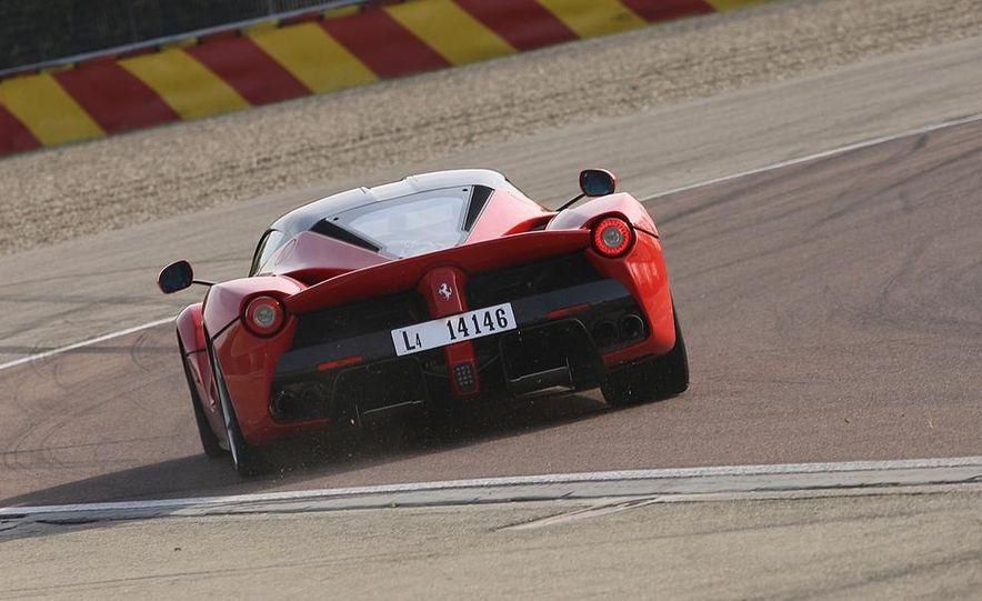 2014 Ferrari LaFerrari - Slide 15