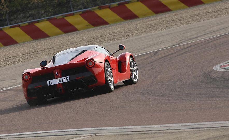 2014 Ferrari LaFerrari - Slide 16
