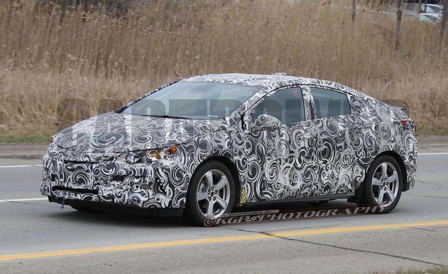 2016 Chevrolet Volt (spy photo) - Slide 2