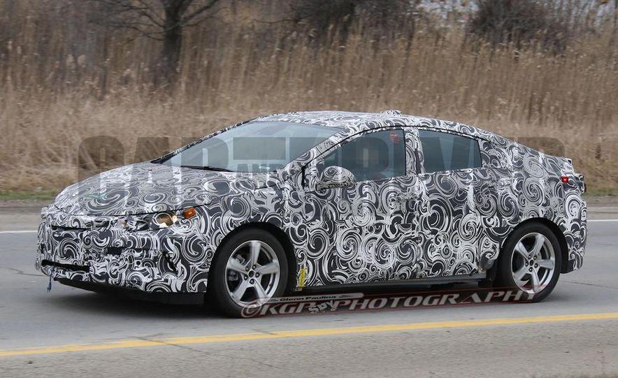 2016 Chevrolet Volt (spy photo) - Slide 3