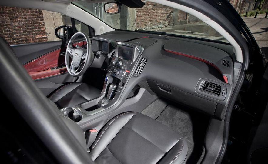 2014 Toyota Prius, 2014 Mercedes-Benz CLA250, 2012 Tesla Model S P85, 2012 Nissan Leaf SL, and 2014 Chevrolet Volt - Slide 45